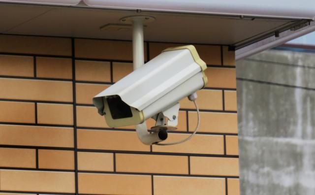 マンションの防犯カメラ設置の基本|メリット・デメリットを解説