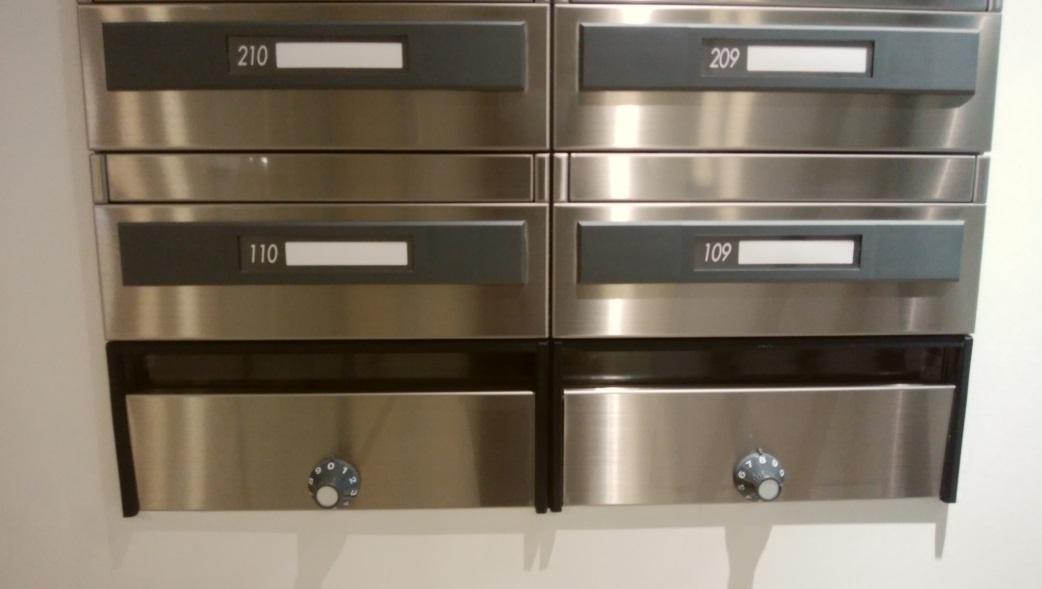 郵便物の誤配トラブル|マンションに前入居者(他人宛)の郵便物が届いた時の対処方法